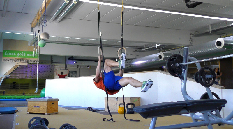 Ringe - Uneven Frontlever Pull Ups
