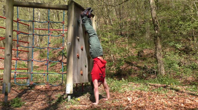 Boden - Handstand