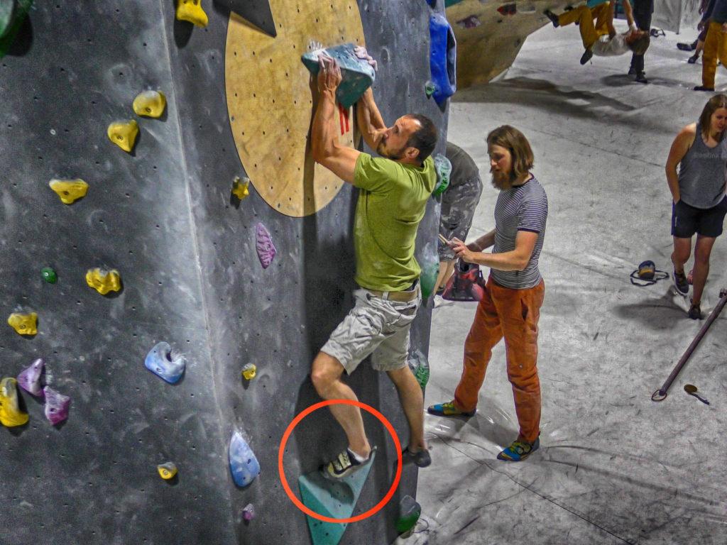 Technikfehler Klettern: Sauber treten um mit der Fusstreckung arbeiten zu können