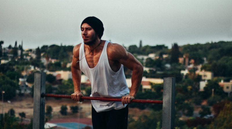 Lerne den Muscle-Up für besseres Klettern und Bouldern!